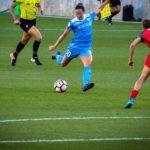 サッカー・女性・女子サッカー