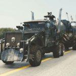 世紀末的な改造車、マッドマックス