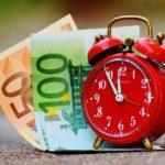 時計、時間とお金のイメージ